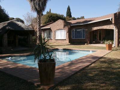 Property For Sale in Glenvista Ext 4, Johannesburg