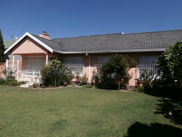 Property For Sale in Roseacre, Roseacre, Johannesburg