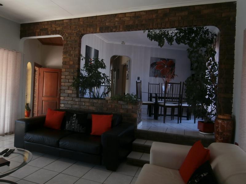 House For Sale in Glenvista Ext 4, Johannesburg