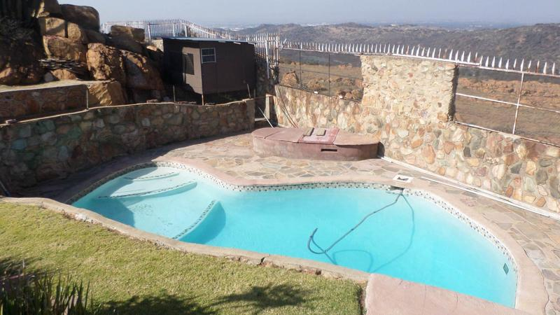 House For Sale in Linmeyer, Johannesburg
