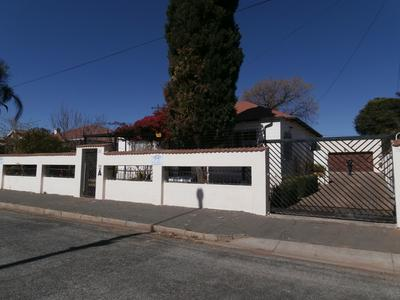 House For Sale in The Hill, Johannesburg