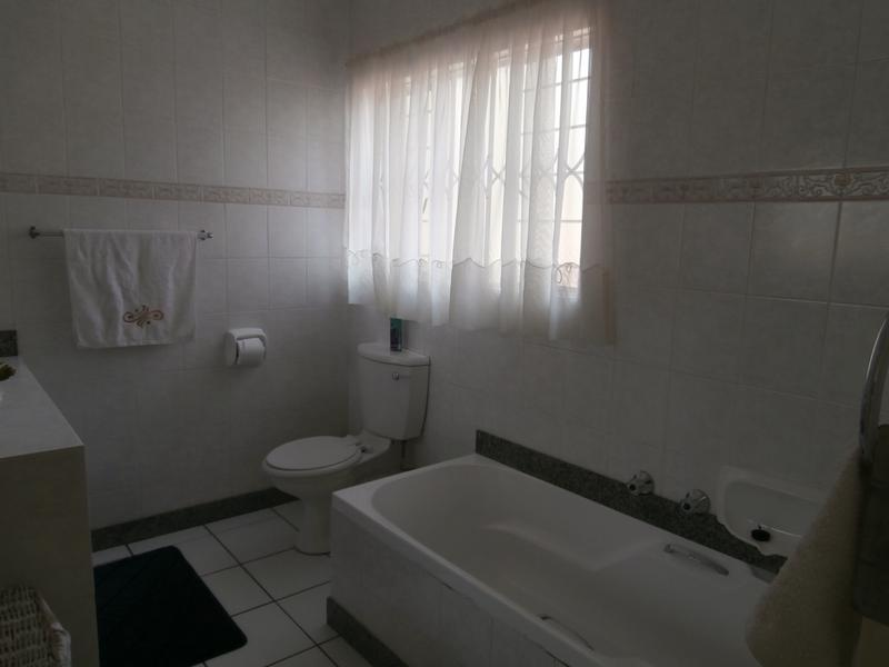 Cluster House For Sale in The Hill, Johannesburg