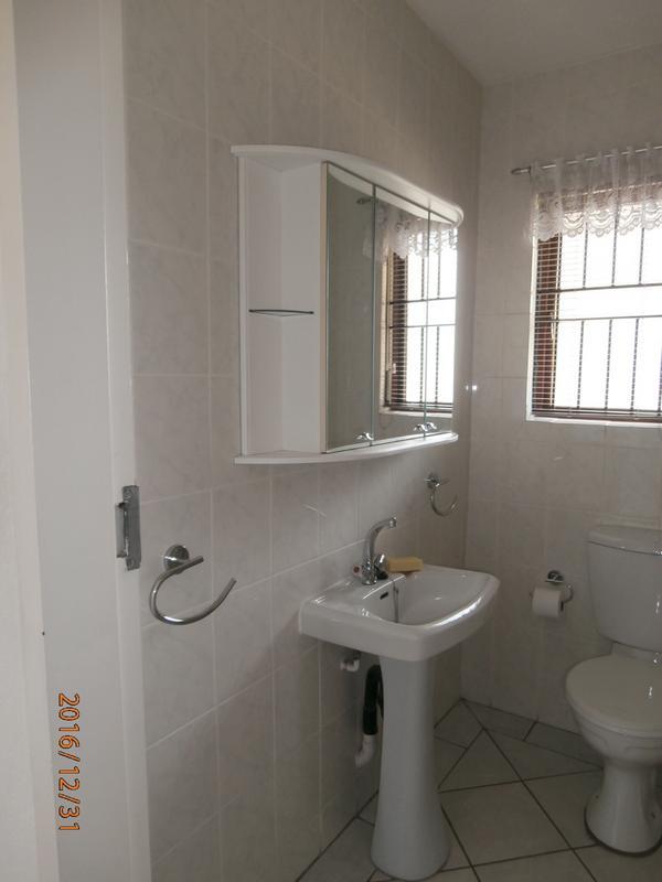 Duplex For Sale in Winchester Hills, Johannesburg